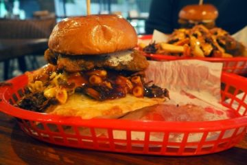 almost-famous-burger