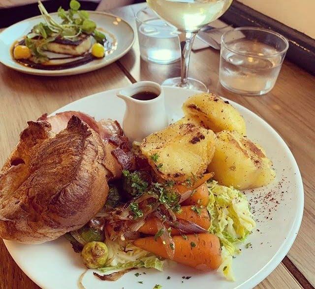 Maray Restaurant Sunday Roast
