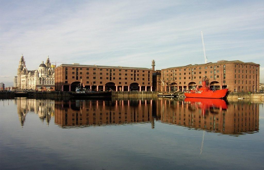 Visit Liverpool's Best Sightseeing Spots with a Tour Bus 3
