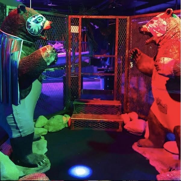 Junk Yard Golf Club Cage Fighting Bears
